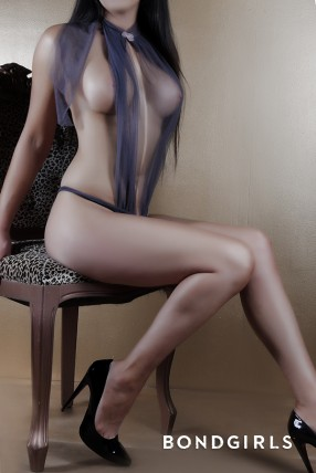 Brunette Escort Alex